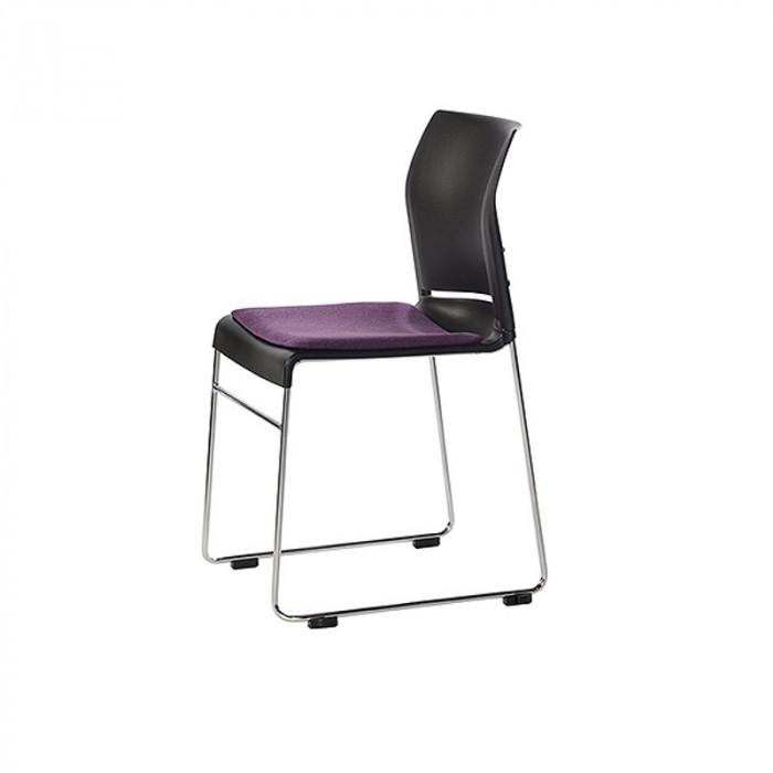 Kvadrat stol med stoffbrikke